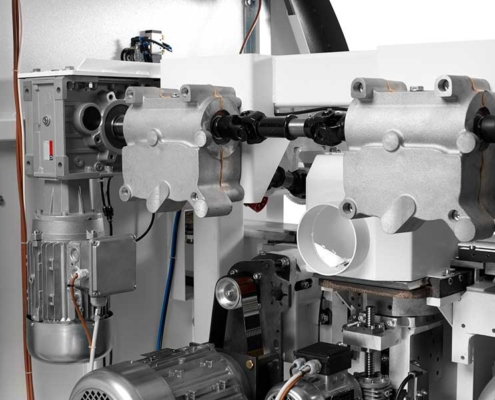 Futura Woodmac innovation, 4 sided planer moulders P.Max: drive gearboxes